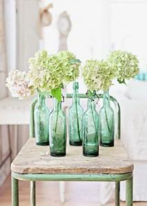 deco_kinfolk_vases_vintage_en_bouteille_avec_fleurs