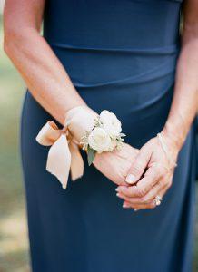 southern-wedding-modern-corsage
