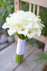 white-wedding-bouquets-inspiration-erica-velasco-photographers-334x500