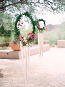 These-wreaths-would-be-a-great-DIY-project-idea-1
